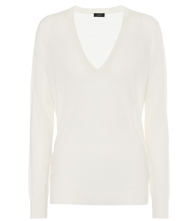 Joseph V-neck cashmere sweater in white