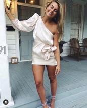 dress,one sleeve,satin,one shoulder,pink,light pink,shiny