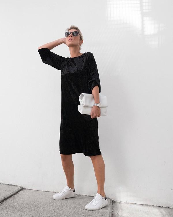 dress midi dress velvet dress long sleeve dress white sneakers white bag
