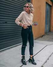 jeans,black ripped jeans,black shoes,stripes,sweater,sunglasses,streetstyle