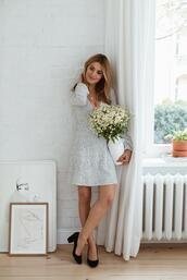 make life easier,blogger,shoes,dress,jewels,mid heel pumps