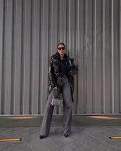 jeans,wide-leg pants,pumps,black leather jacket,hoodie,bag