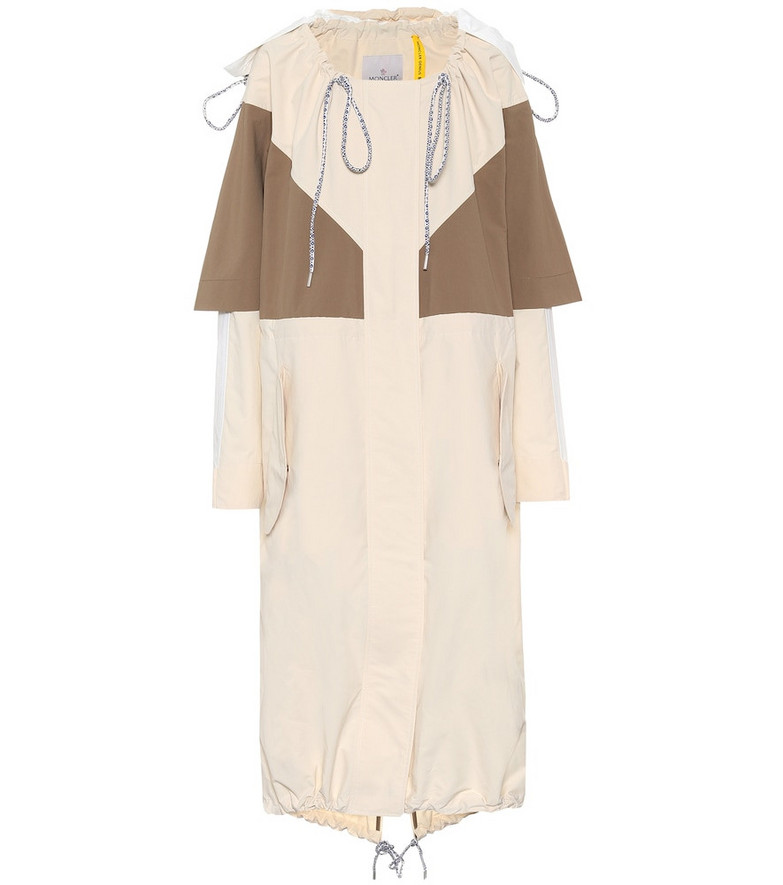 Moncler Genius 2 MONCLER 1952 Violets caped coat in beige