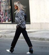 top,striped shirt,ankle boots,black pants,cropped pants,black bag