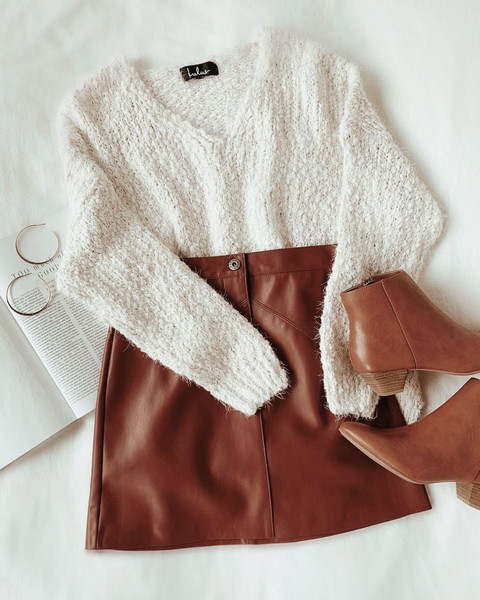 jewels shoes sweater skirt