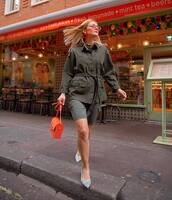 jacket,green army jacket,shorts,High waisted shorts,pumps,orange bag