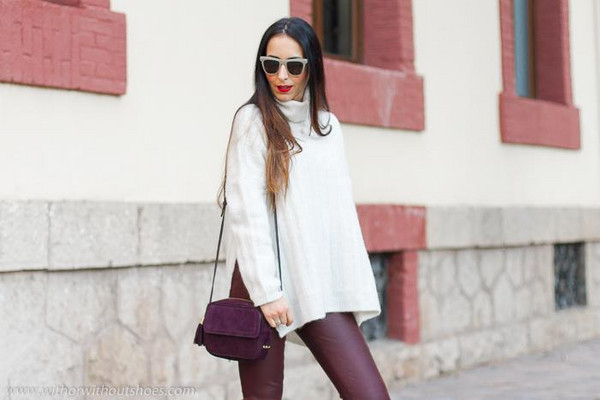 with or without shoes blogger leggings pants bag sunglasses t-shirt shoes white sweater turtleneck sweater