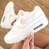 shoes,beige shoes,nike shoes,nike air max 1