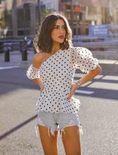 top,white top,asymmetrical,asymmetrical top,blouse,polka dots,black and white,shorts,camila coelho,blogger