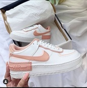 shoes,nike,nike shoes,nike air force 1,low top sneakers,beige,white