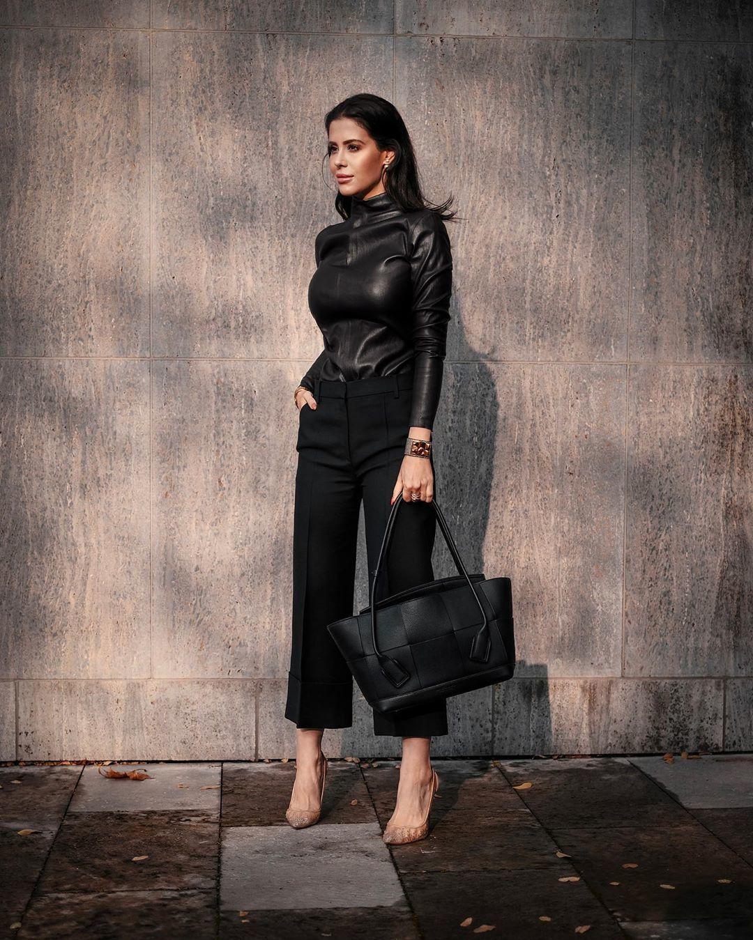 top turtleneck leather high waisted pants black bag pumps