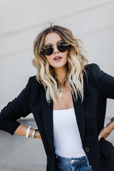 the courtney kerr blogger jacket shorts shoes sunglasses