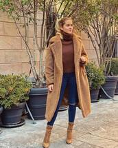 coat,faux fur coat,camel coat,heel boots,ripped jeans,skinny jeans,turtleneck sweater,bag