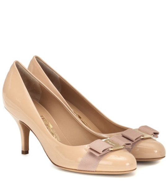 Salvatore Ferragamo Carla 70 patent leather pumps in beige