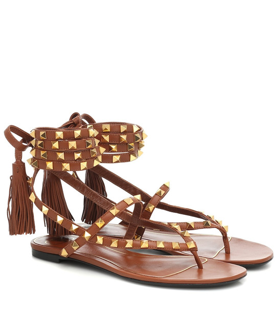 Valentino Garavani Rockstud Flair leather sandals in brown