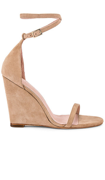 RAYE Bane Wedge in Tan