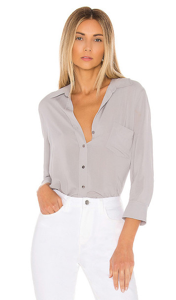 L'AGENCE Ryan 3/4 Sleeve Blouse in Gray
