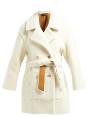 coat,cream