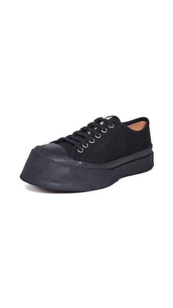 Marni Classic Sneakers in black