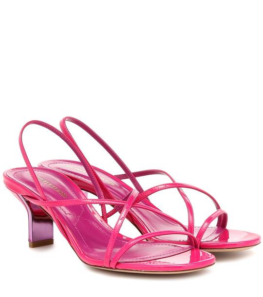 Nicholas Kirkwood Leeloo patent leather sandals in pink