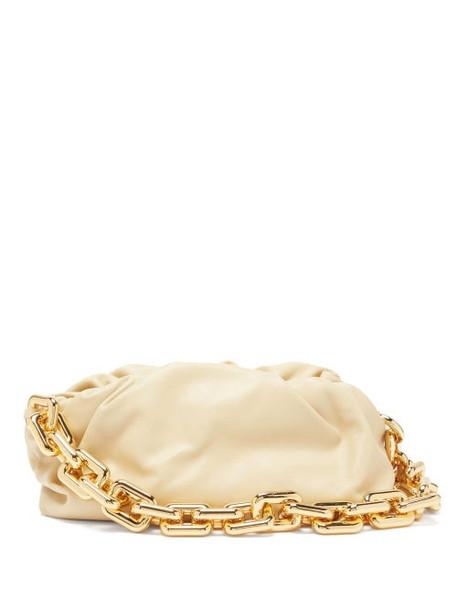 Bottega Veneta - The Chain Pouch Leather Clutch Bag - Womens - Cream