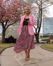 skirt,pleated skirt,midi skirt,high waisted skirt,black sandals,pink blazer,topshop,black top