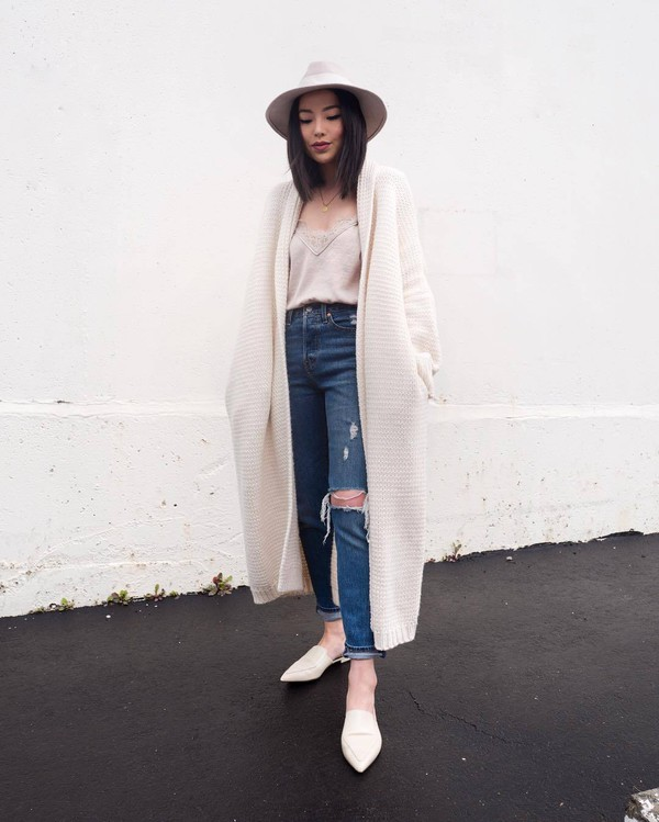 sweater white cardigan oversized cardigan mules high waisted jeans ripped jeans levi's top hat