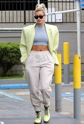 top,crop tops,cropped,blazer,neon,oversized,sweatpants,pants,model off-duty,hailey baldwin,spring outfits