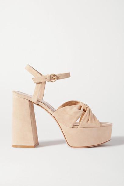 Gianvito Rossi - 110 Suede Platform Sandals - Neutral