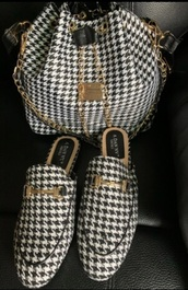 shoes,houndstooth,flats