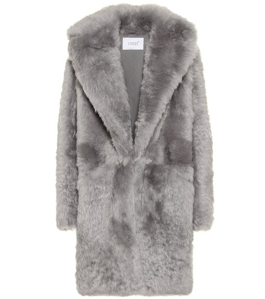 Common Leisure Dream shearling coat in grey