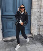jacket,leather jacket,white sneakers,trainers,black jeans,white t-shirt,crossbody bag,black bag