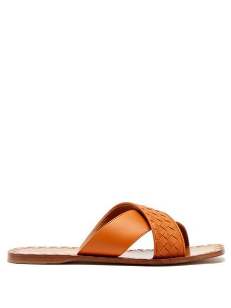 Bottega Veneta - Intrecciato Leather Slides - Womens - Tan