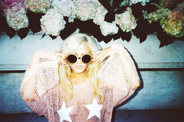 i hate blonde sweater bag sunglasses shoes
