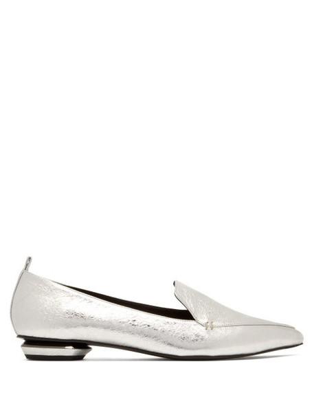 Nicholas Kirkwood - Beya Crackled Metallic Leather Loafers - Womens - Silver