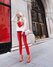 sweater,white sweater,turtleneck sweater,pumps,red,skinny jeans,pink bag,shoulder bag