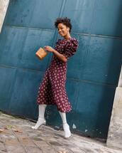 bag,handbag,brown bag,tights,midi dress,floral dress,puffed sleeves