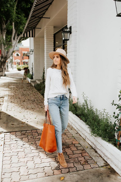 merrick's art // style + sewing for the everyday girl blogger bag sweater jeans shoes ankle boots tote bag orange bag white sweater