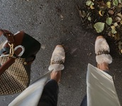 shoes,brown shoes,flats,chain,loafers,fur