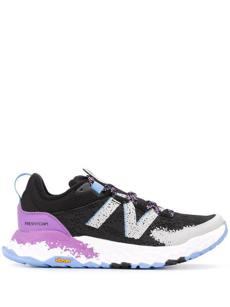 New Balance colour blocked low top sneakers in black