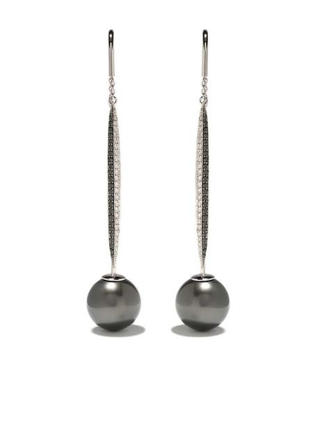 Yoko London 18kt white gold Twilight tahitian pearl and diamond earrings