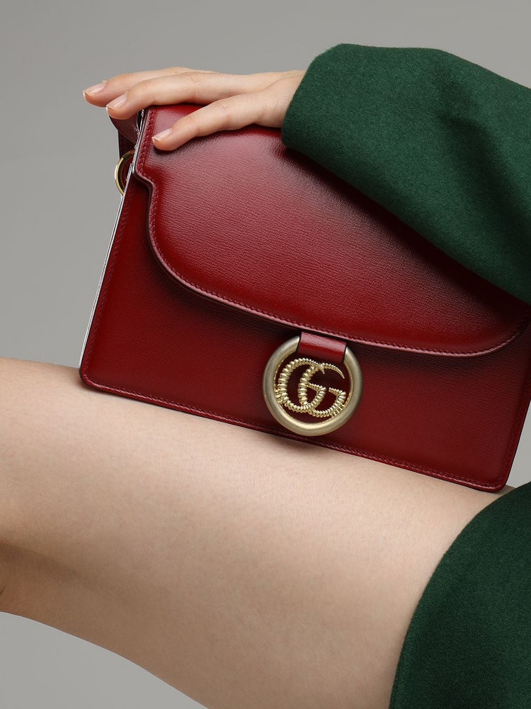GUCCI Sm Gg Ring Grained Leather Shoulder Bag in red
