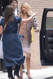 top,hailey baldwin,model off-duty,pumps,fashion week