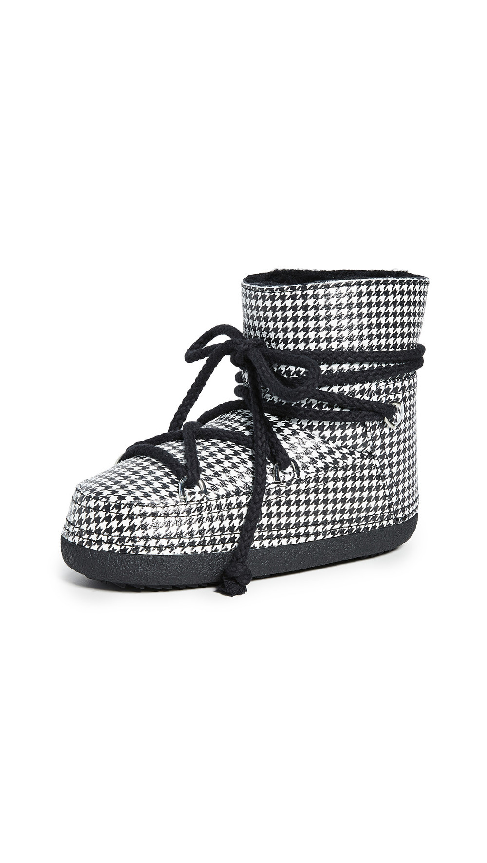 Inuikii Dog Tooth Shearling Boots in black / white