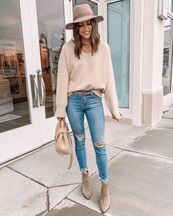 sweater skinny jeans ripped jeans ankle boots bag hat
