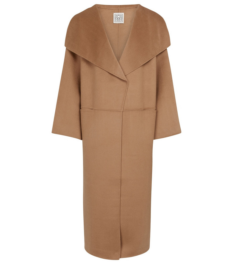 Totême Wool and cashmere coat in brown