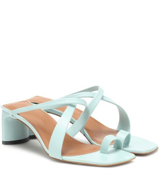 Neous Exclusive to Mytheresa – Nitis leather sandals in green