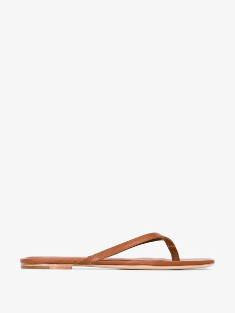 Studio Amelia 2.2 brown flat sandals