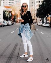 shoes,white sneakers,gucci,white jeans,skinny jeans,denim jacket,black top,shoulder bag