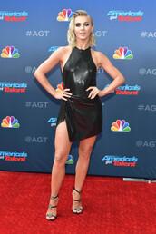 dress,mini dress,black dress,celebrity,julianne hough,little black dress